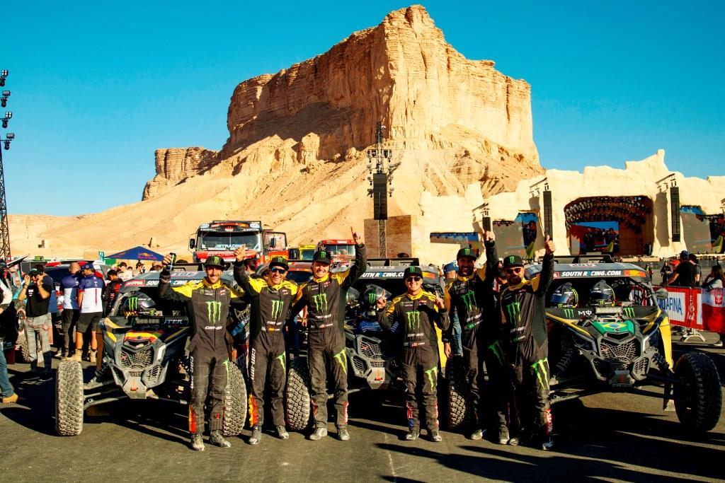 Equipe Monster Energy/Can-Am/South Racing comemora título dos UTVs no Rally Dakar 2020, na Arábia Saudita. Crédito: MCH Photography